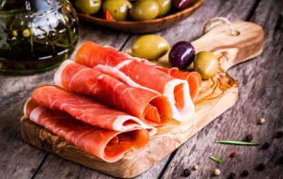 Un jambon cru : savoir le choisir et le découper