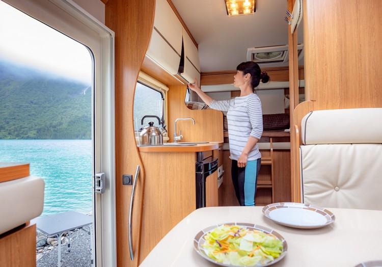 cuisiner-camping-car