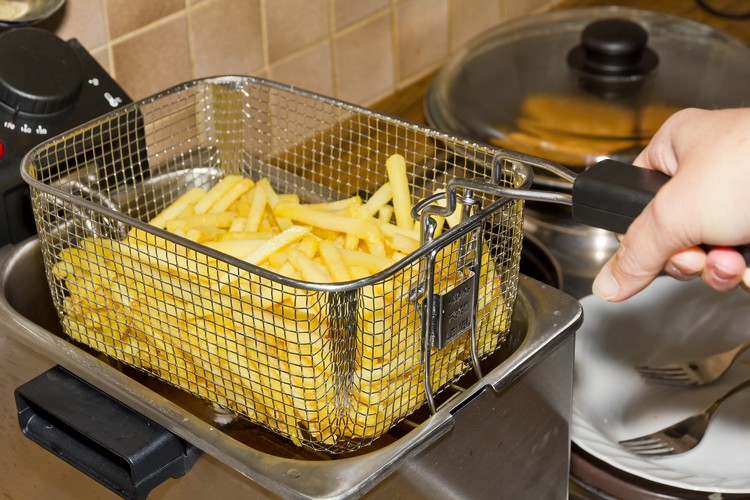 comment-nettoyer-une-friteuse