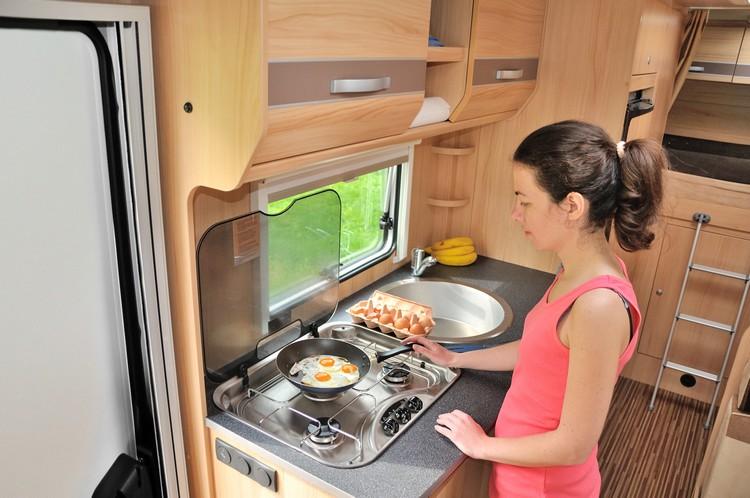 cuisine-campign-car